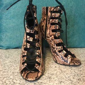 ASOS ELLERY MAE Lace Up Ankle Boots Size 4